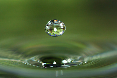 Macro water Drop by Hypergul