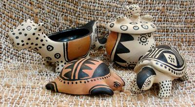 esculturas feitas por tribos do Xingu