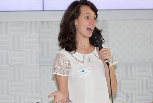 Camila Achutti em ação, ano passado, no Google Women Tech. Diva!